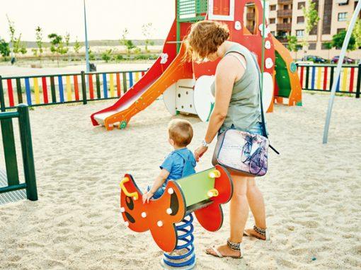 Mejora y mantenimiento de parques infantiles